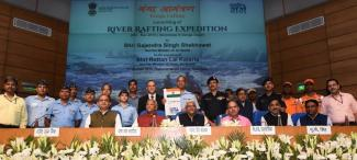 Union Minister for Jal Shakti, Gajendra Singh Shekhawat at the flag off ceremony of the NMCG's Rafting and Kayaking Expedition on River Ganga, in New Delhi on October 07, 2019
